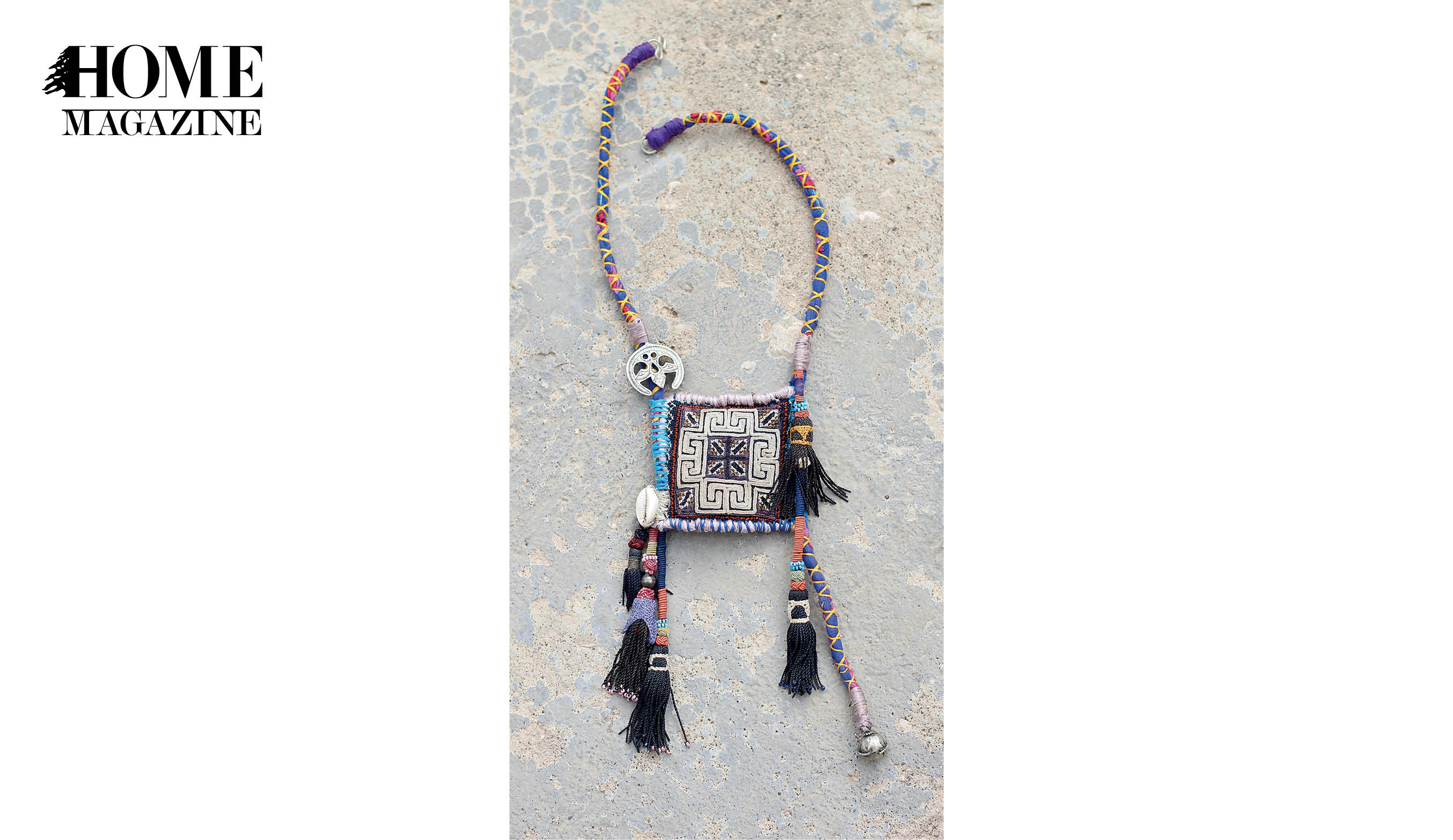 Necklace with square shape and multicolored textile